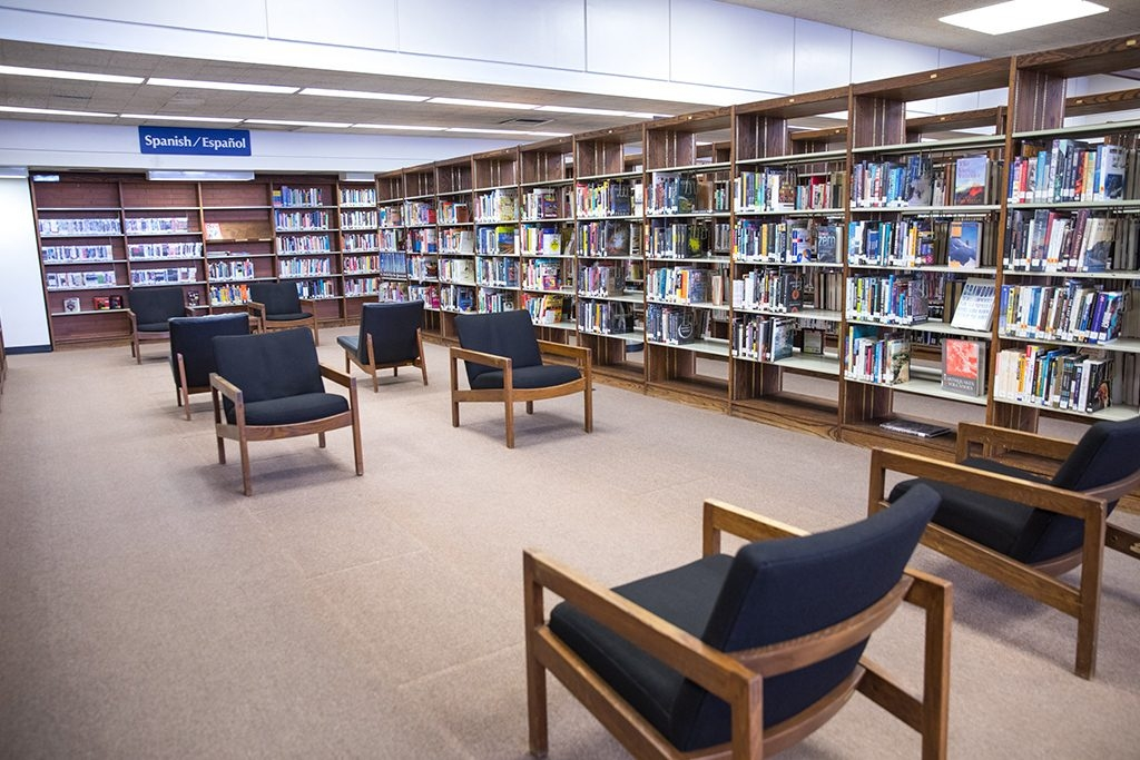 Hawthorne Library Reading Area
